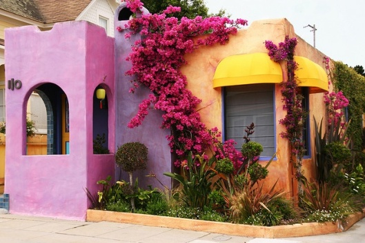 colorful home on homerandruth.com