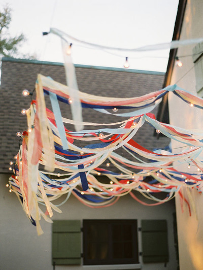 Red White & Blue Streamers - homerandruth.com
